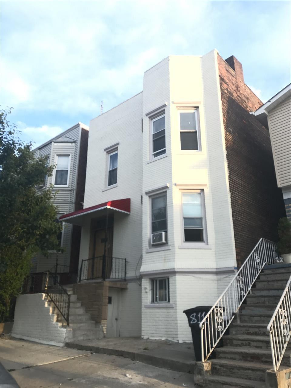 809 SECAUCUS RD, JC, Heights, NJ 07307