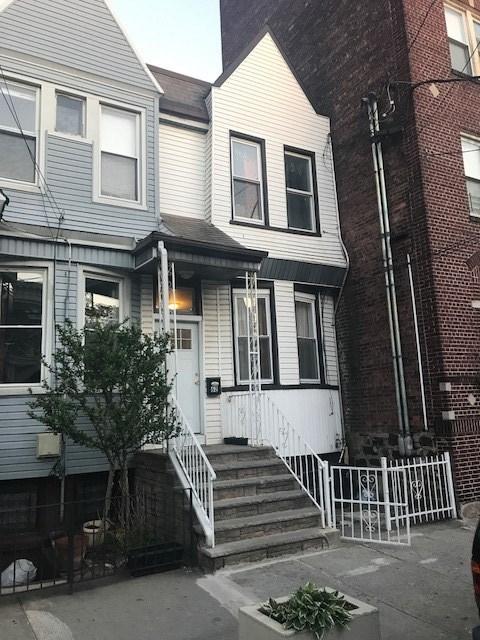 62 VAN REYPEN ST ONE FAMILY, JC, Journal Square, NJ 07306