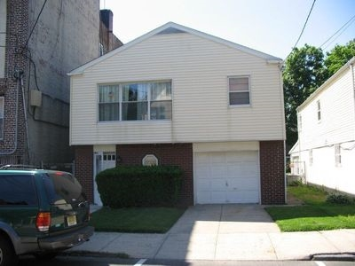 8801 1ST AVE, North Bergen, NJ 07047