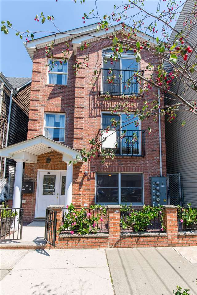 342 PALISADE AVE 2, JC, Heights, NJ 07307