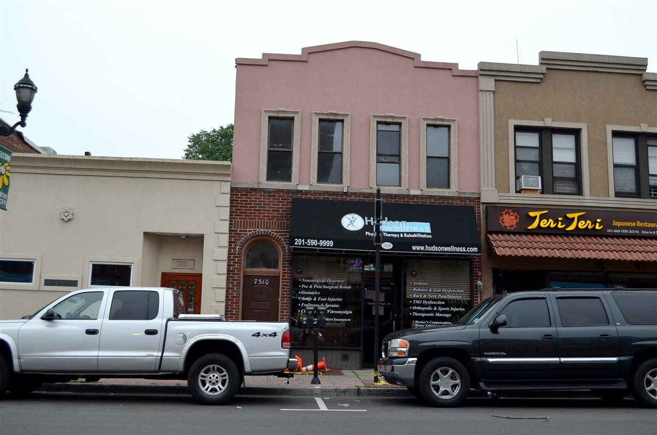 7310 BERGENLINE AVE, North Bergen, NJ 07047