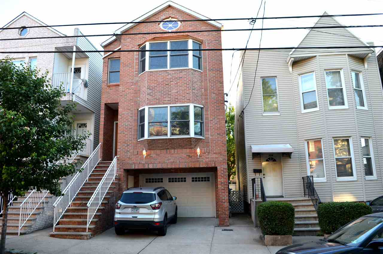 320 19TH ST, Union City, NJ 07087