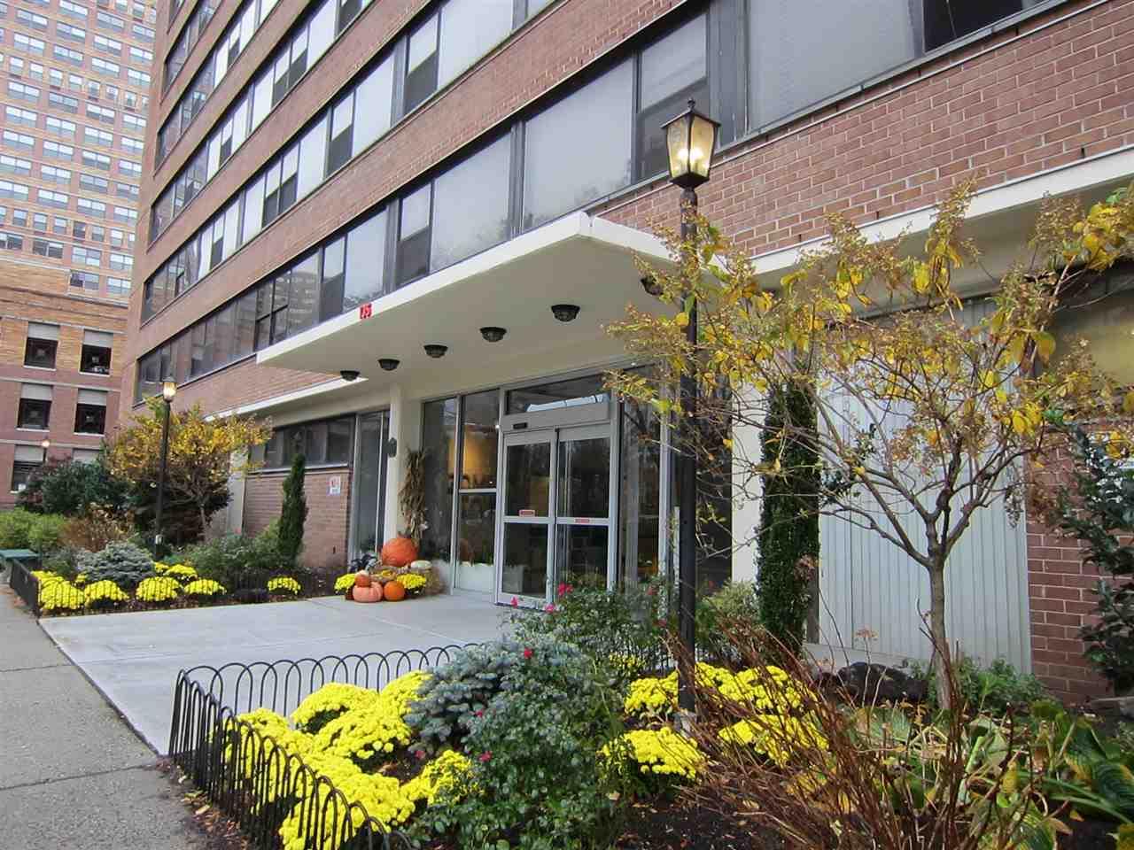 135 MONTGOMERY ST 15F, JC, Downtown, NJ 07302