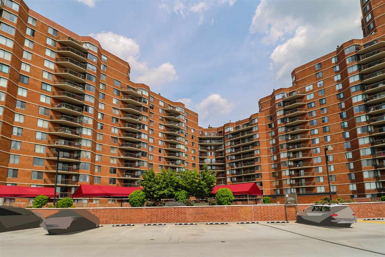 1733 HARMON COVE TOWER 1733, Secaucus, NJ 07094