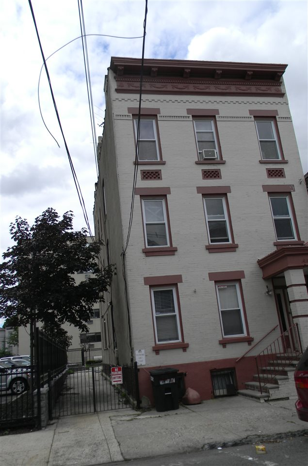 65 PATERSON ST, JC, Heights, NJ 07307