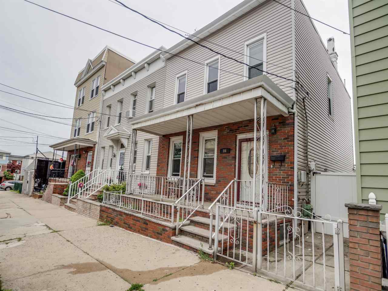 84 EAST 27TH ST, Bayonne, NJ 07002