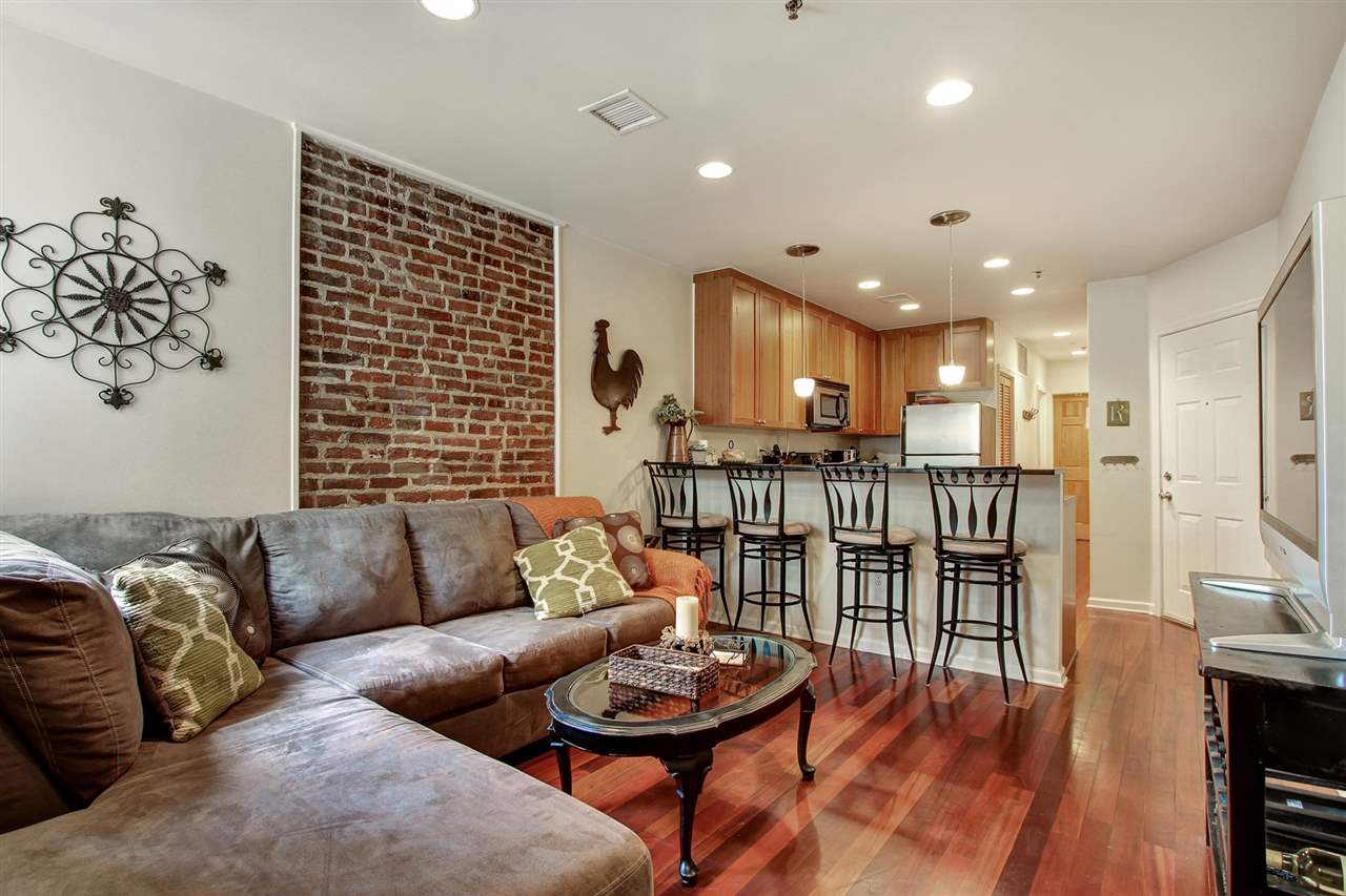 508 GRAND ST 3R, Hoboken, NJ 07030