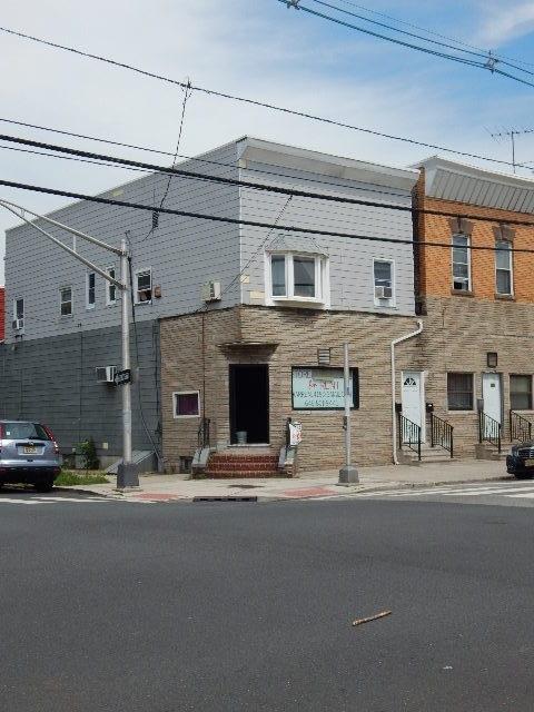 97 MALLORY AVE, JC, West Bergen, NJ 07304