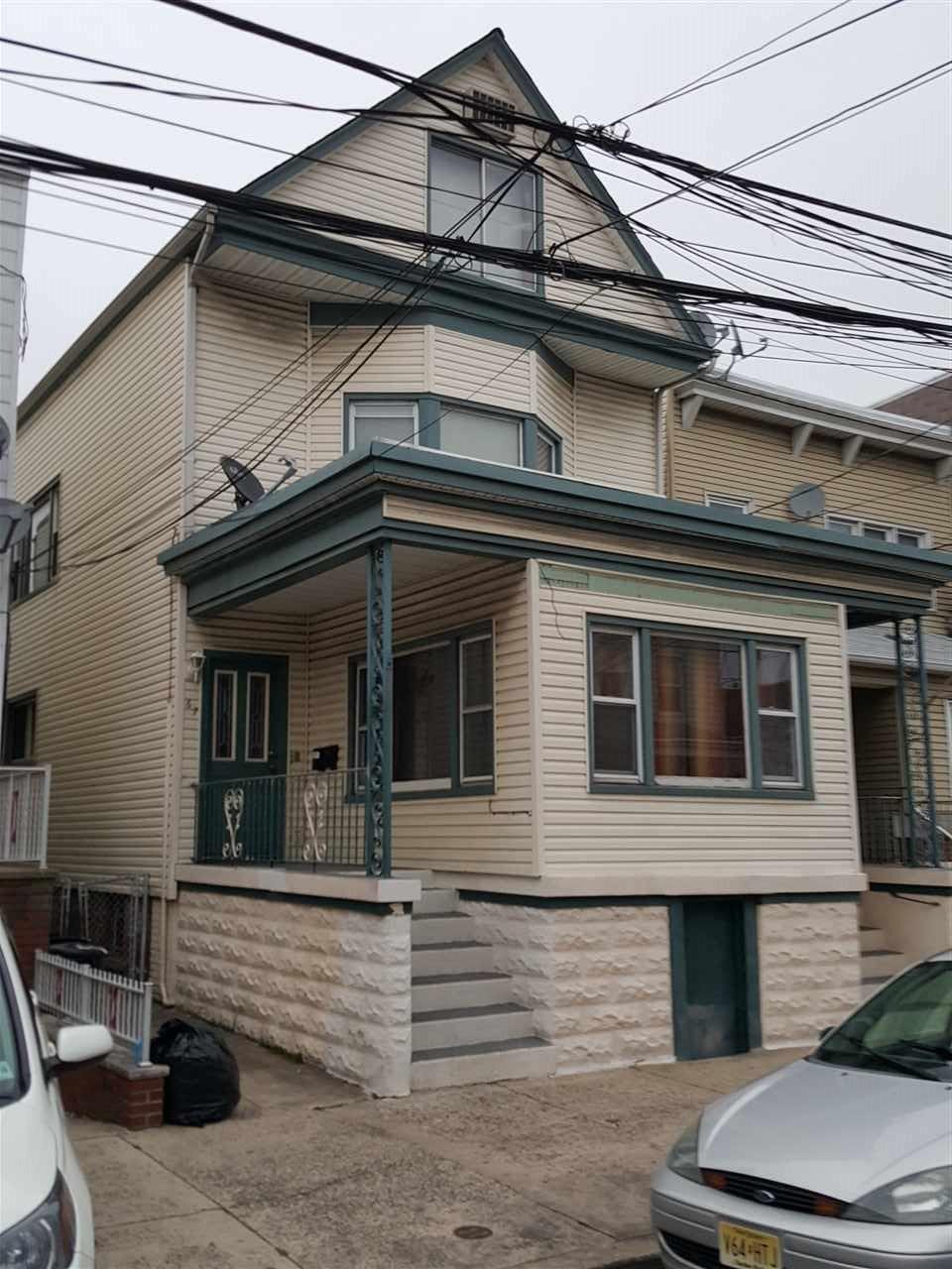 67 WEST 18TH ST, Bayonne, NJ 07002