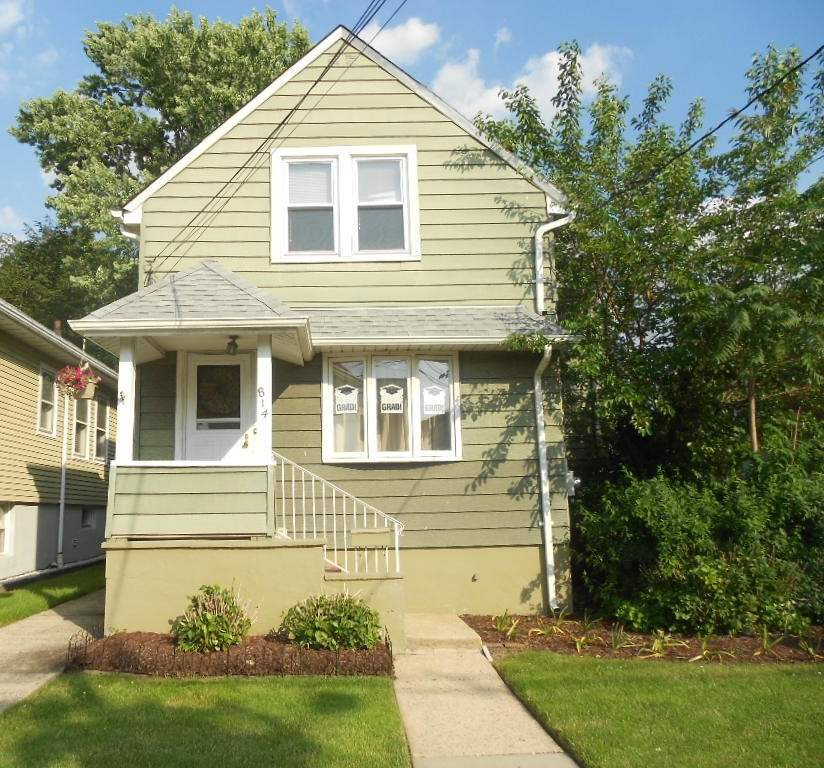 814 8TH ST, Secaucus, NJ 07094