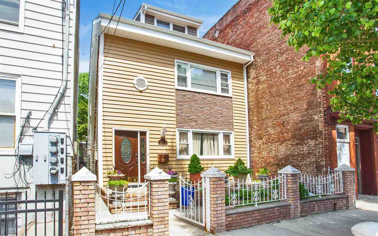 108 BEACON AVE, JC, Heights, NJ 07306