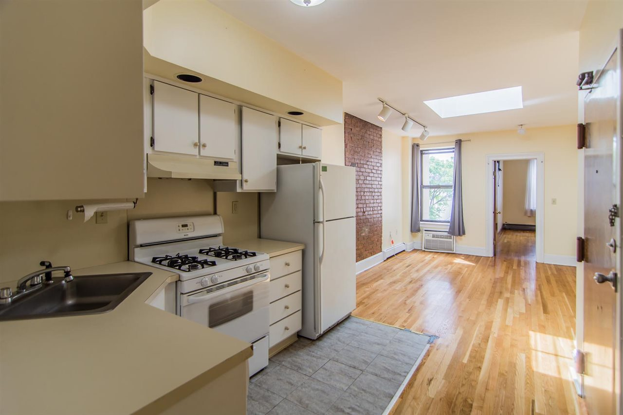 422 GRAND ST 8, Hoboken, NJ 07030