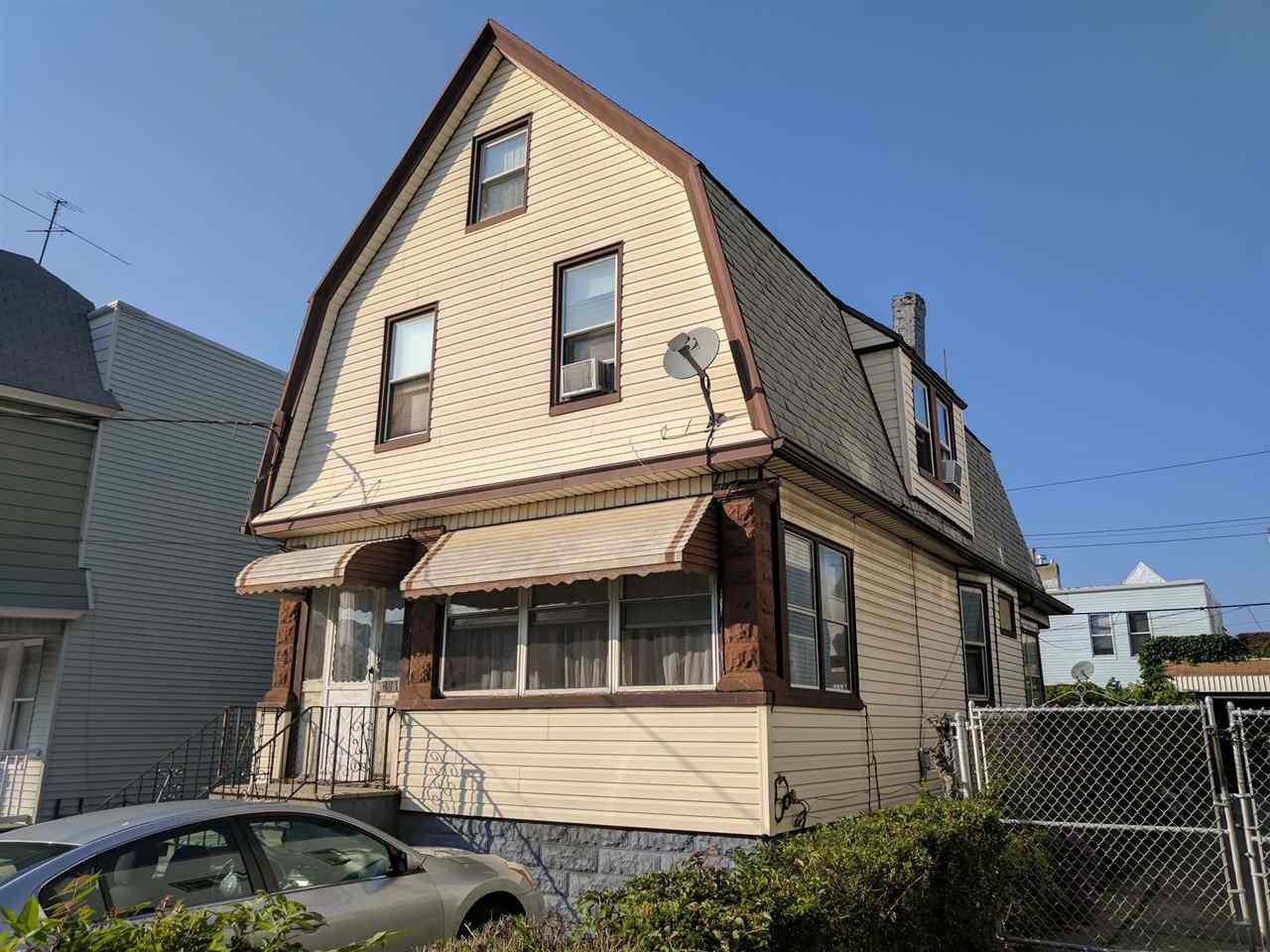 296 ARMSTRONG AVE, JC, Greenville, NJ 07305