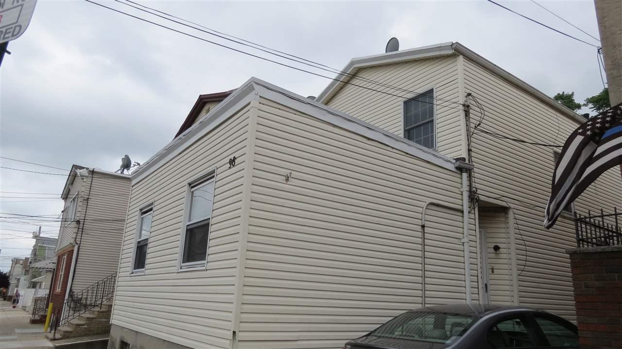 98 WEST 21ST ST, Bayonne, NJ 07002