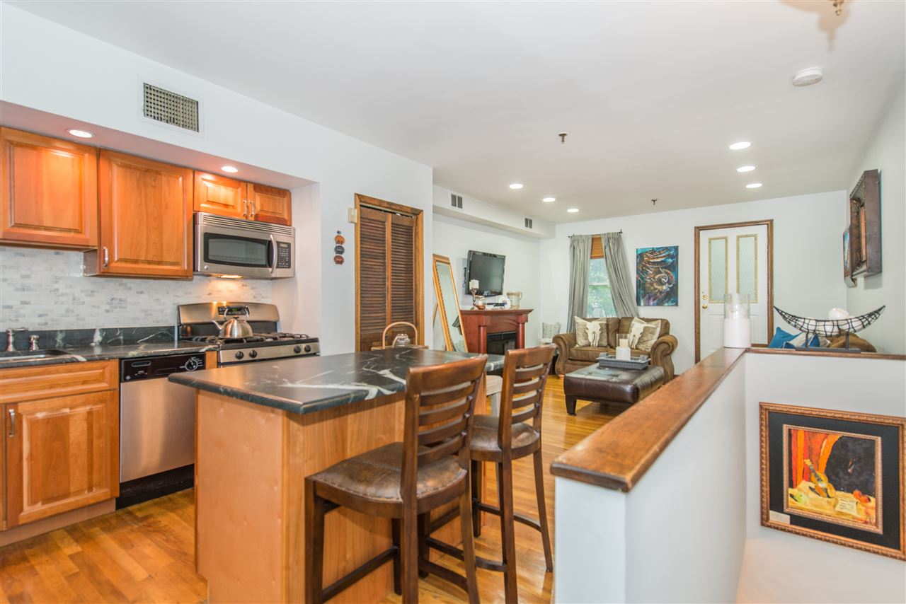 310 PALISADE AVE 3, JC, Heights, NJ 07307