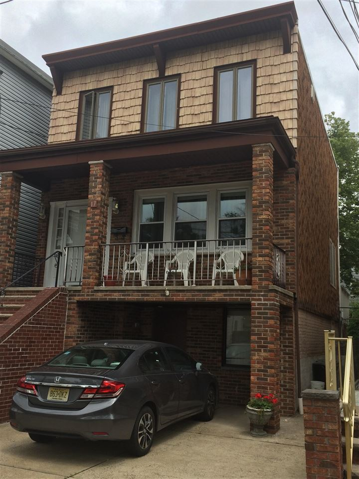 17 EAST 28TH ST, Bayonne, NJ 07002