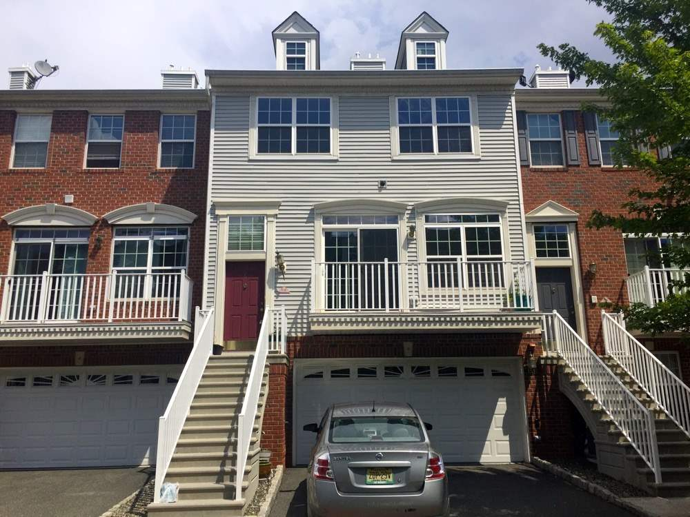 6 TOTTENHAM CT TH, JC, West Bergen, NJ 07305