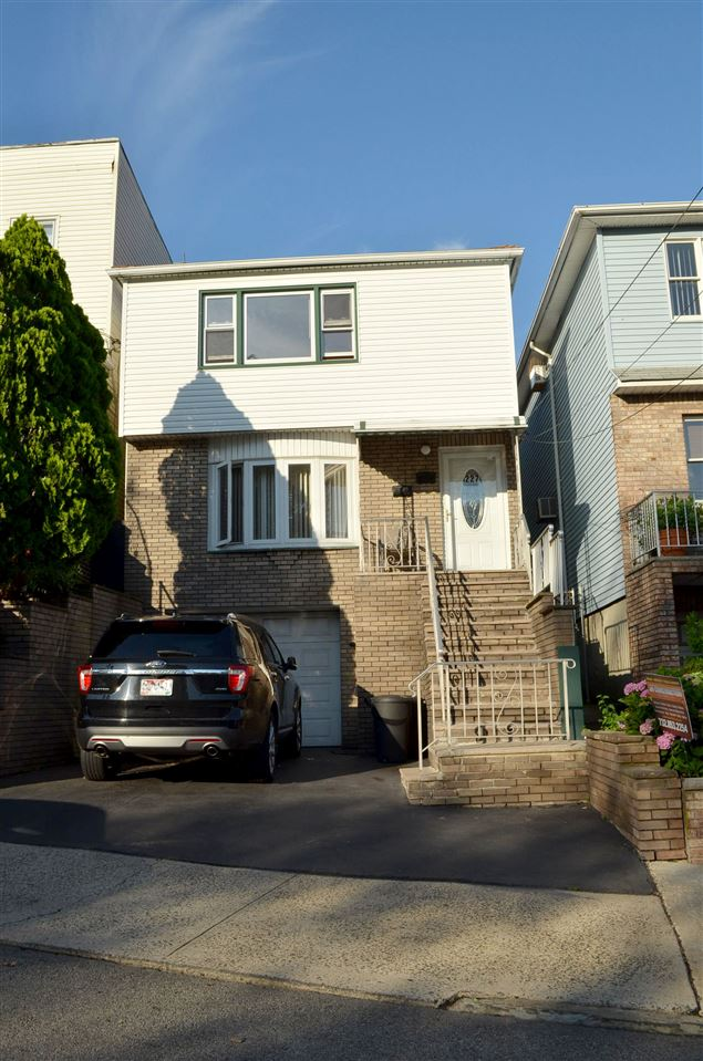 227 STEVENS AVE, JC, West Bergen, NJ 07305
