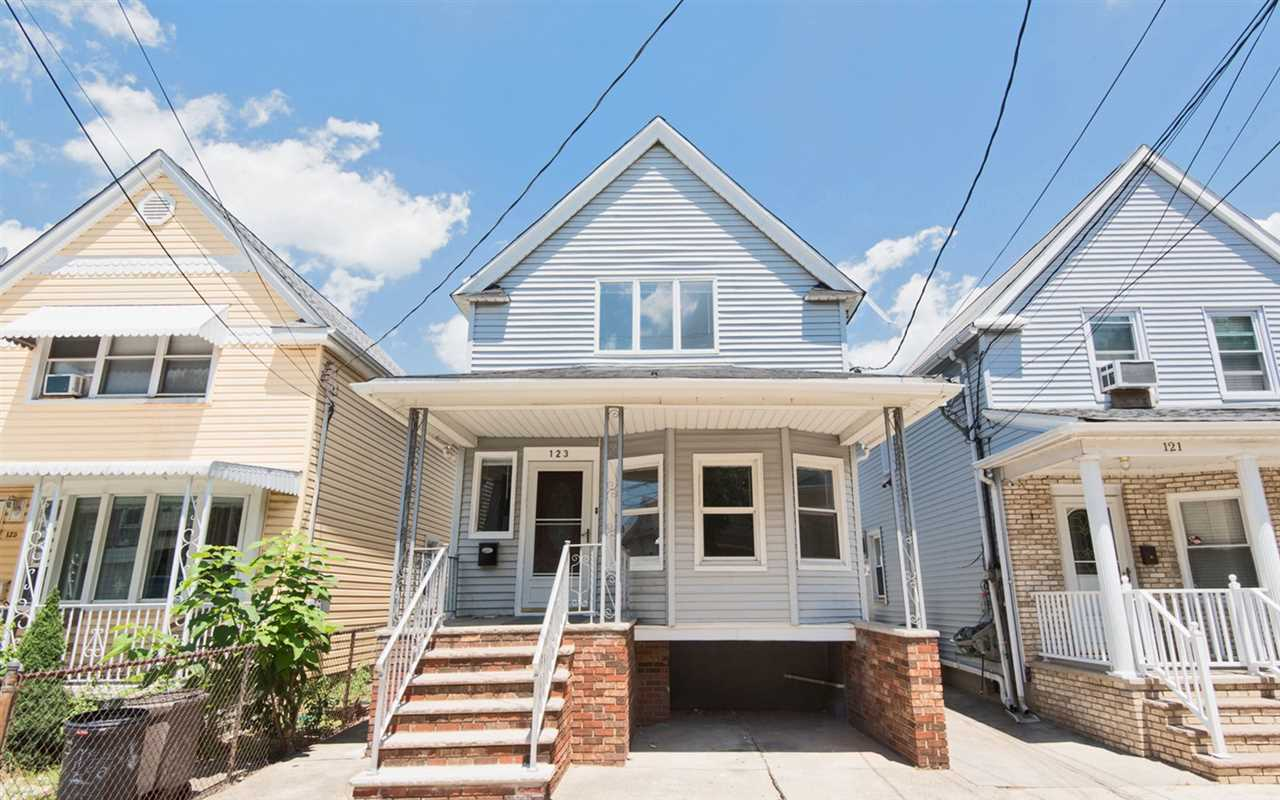 123 WEST 13TH ST, Bayonne, NJ 07002