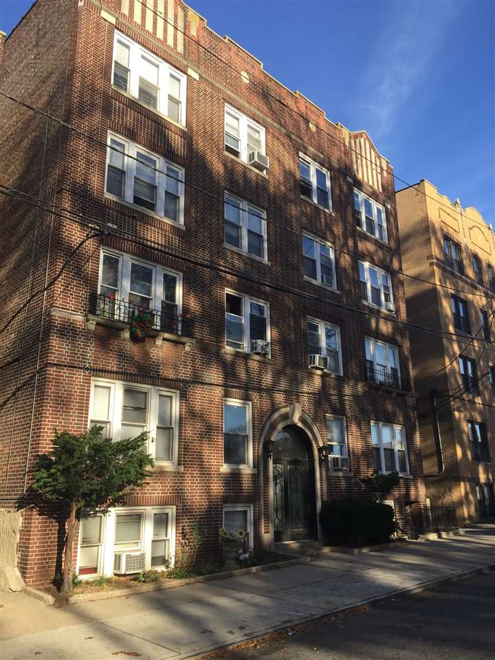 157-159 WEST 48TH ST 203, Bayonne, NJ 07002