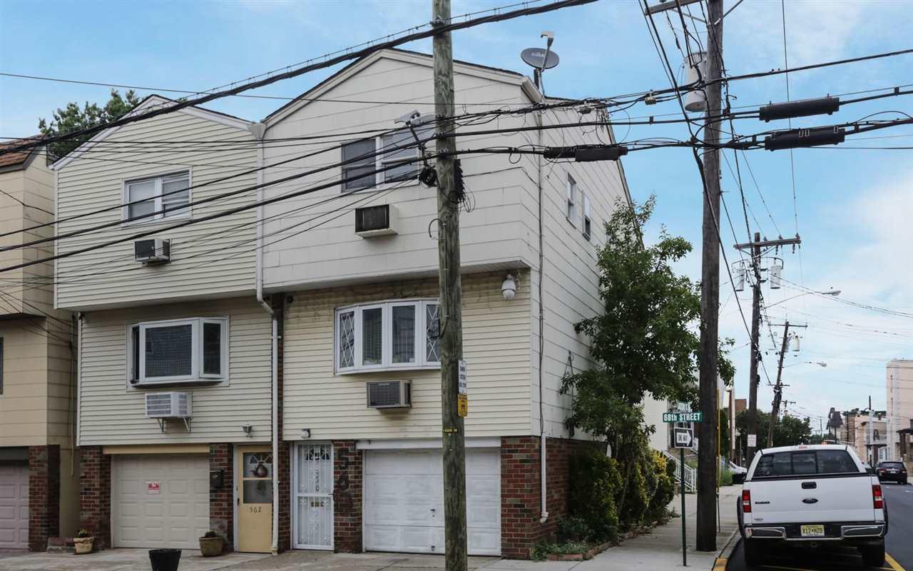 560 68TH ST, Guttenberg, NJ 07093