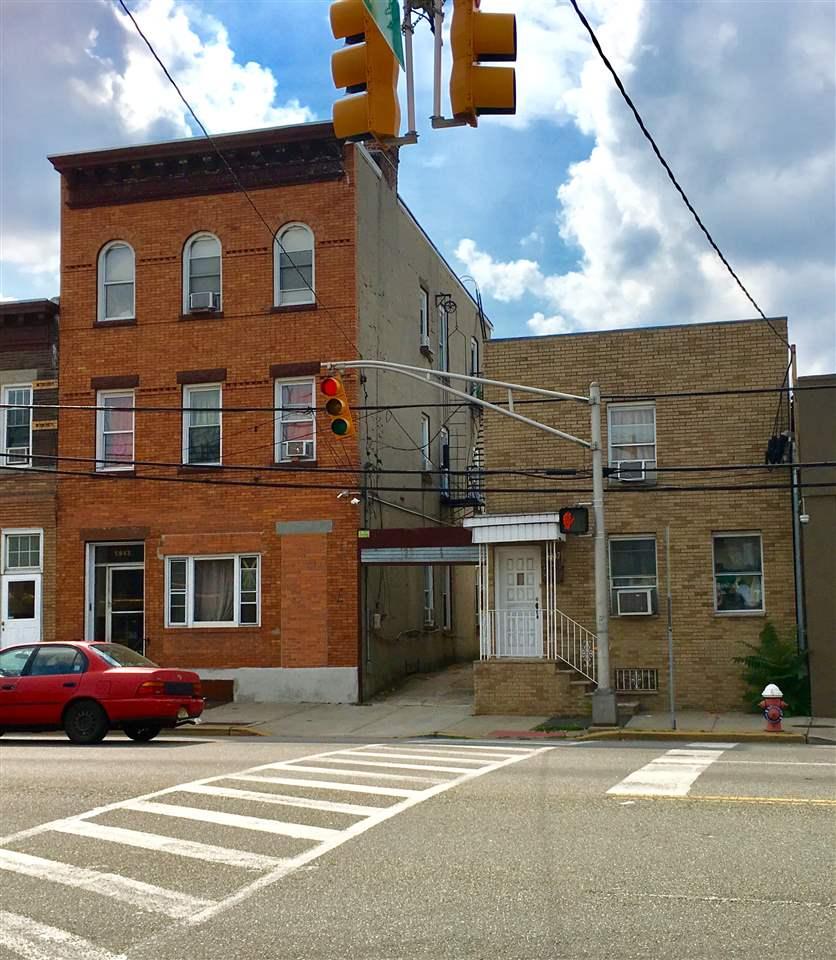 5847 KENNEDY BLVD, North Bergen, NJ 07047