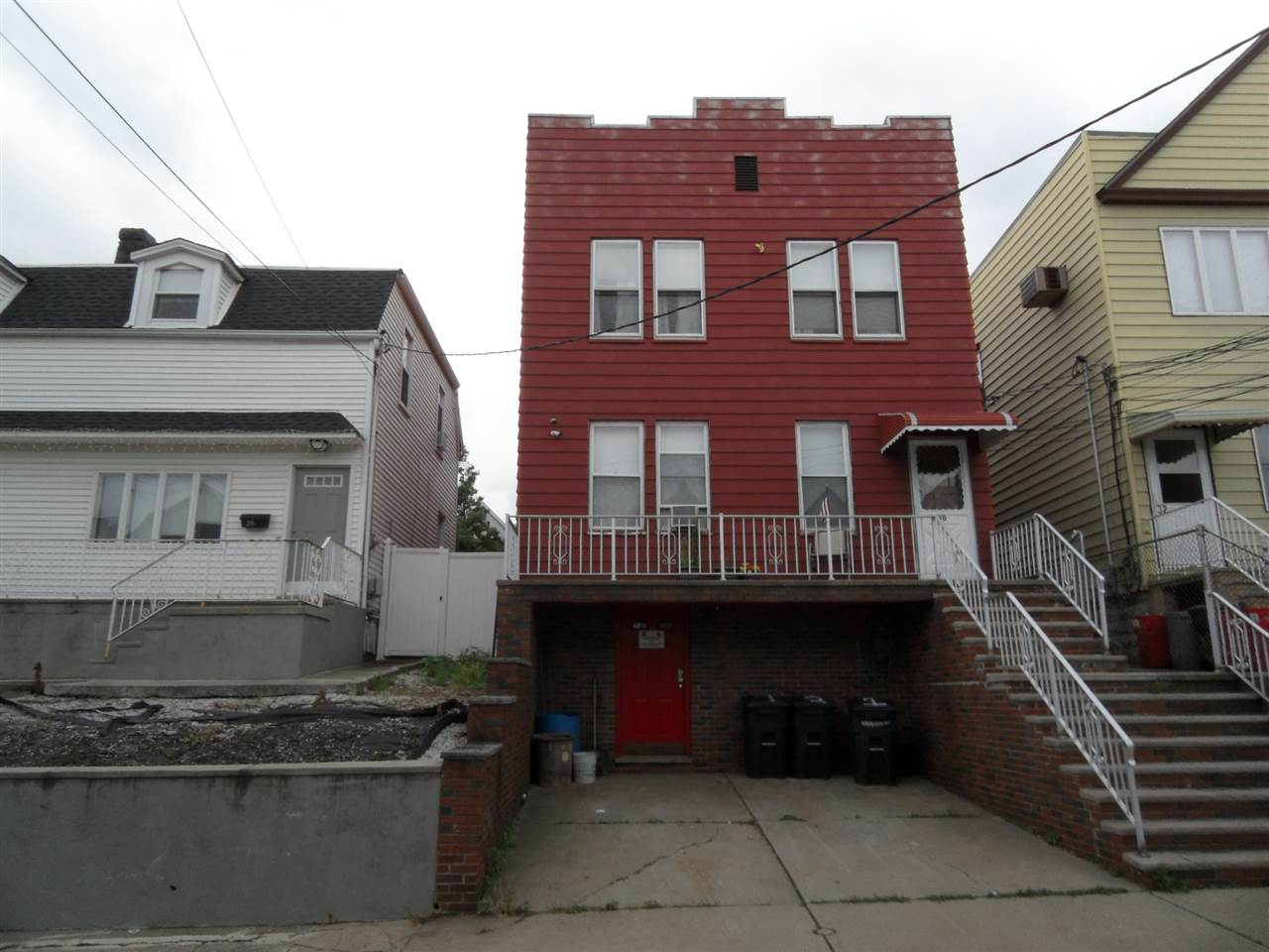 30 WEST 52ND ST 3, Bayonne, NJ 07002