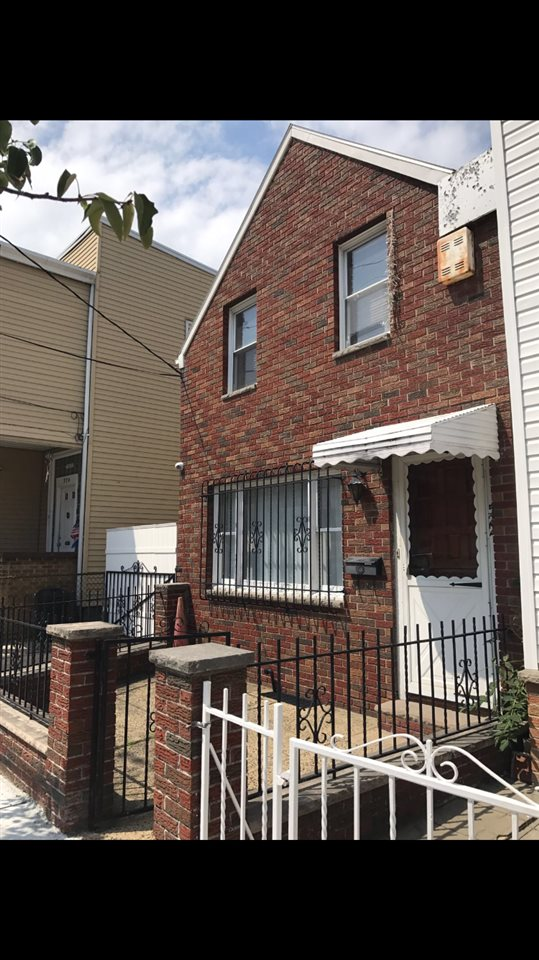 522 41ST ST, Union City, NJ 07087