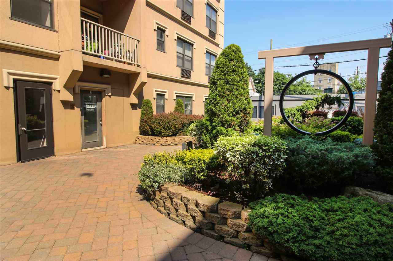 8915 BERGENWOOD AVE B, North Bergen, NJ 07047