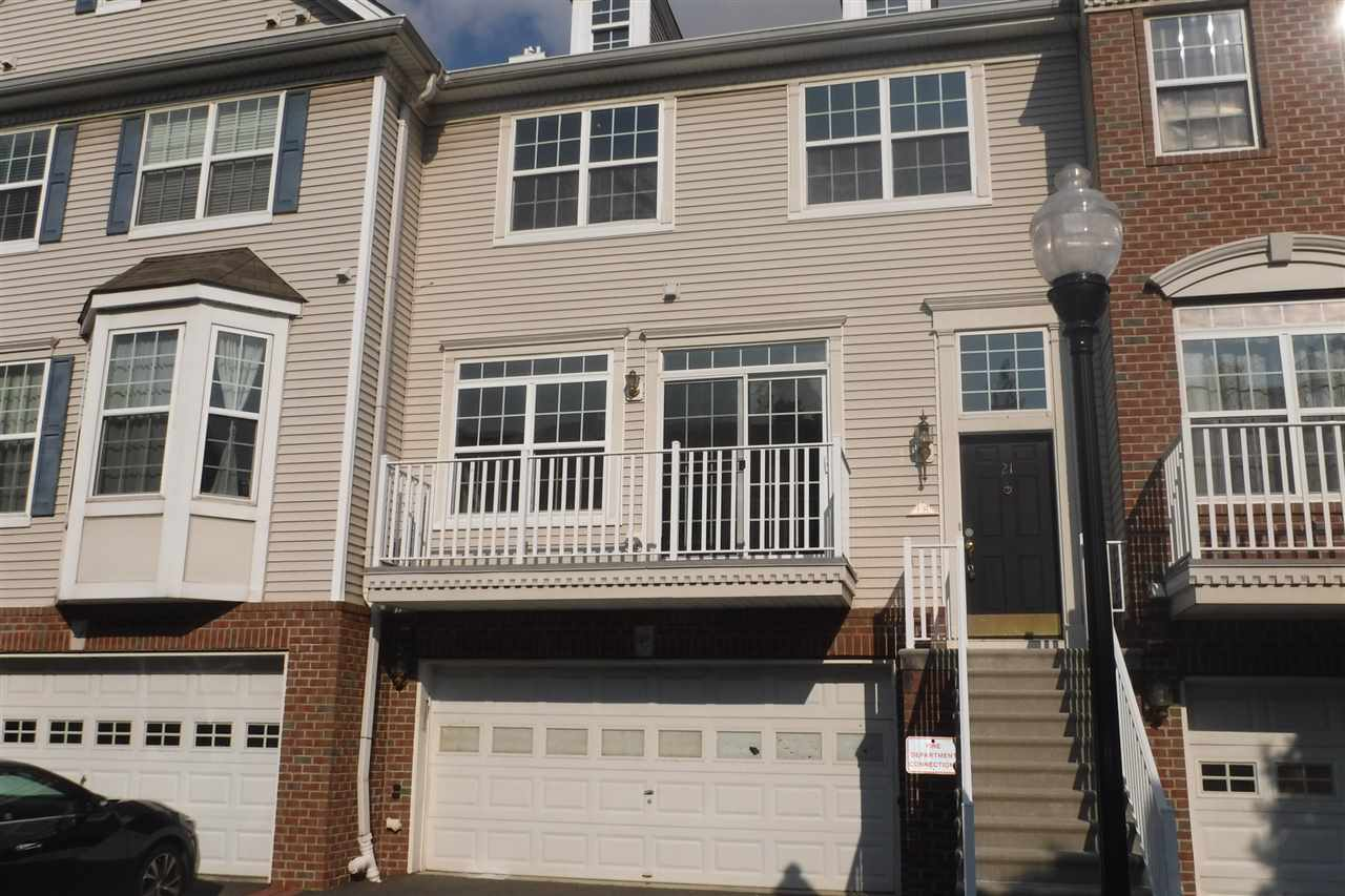 21 SWAN CT 21, JC, West Bergen, NJ 07305