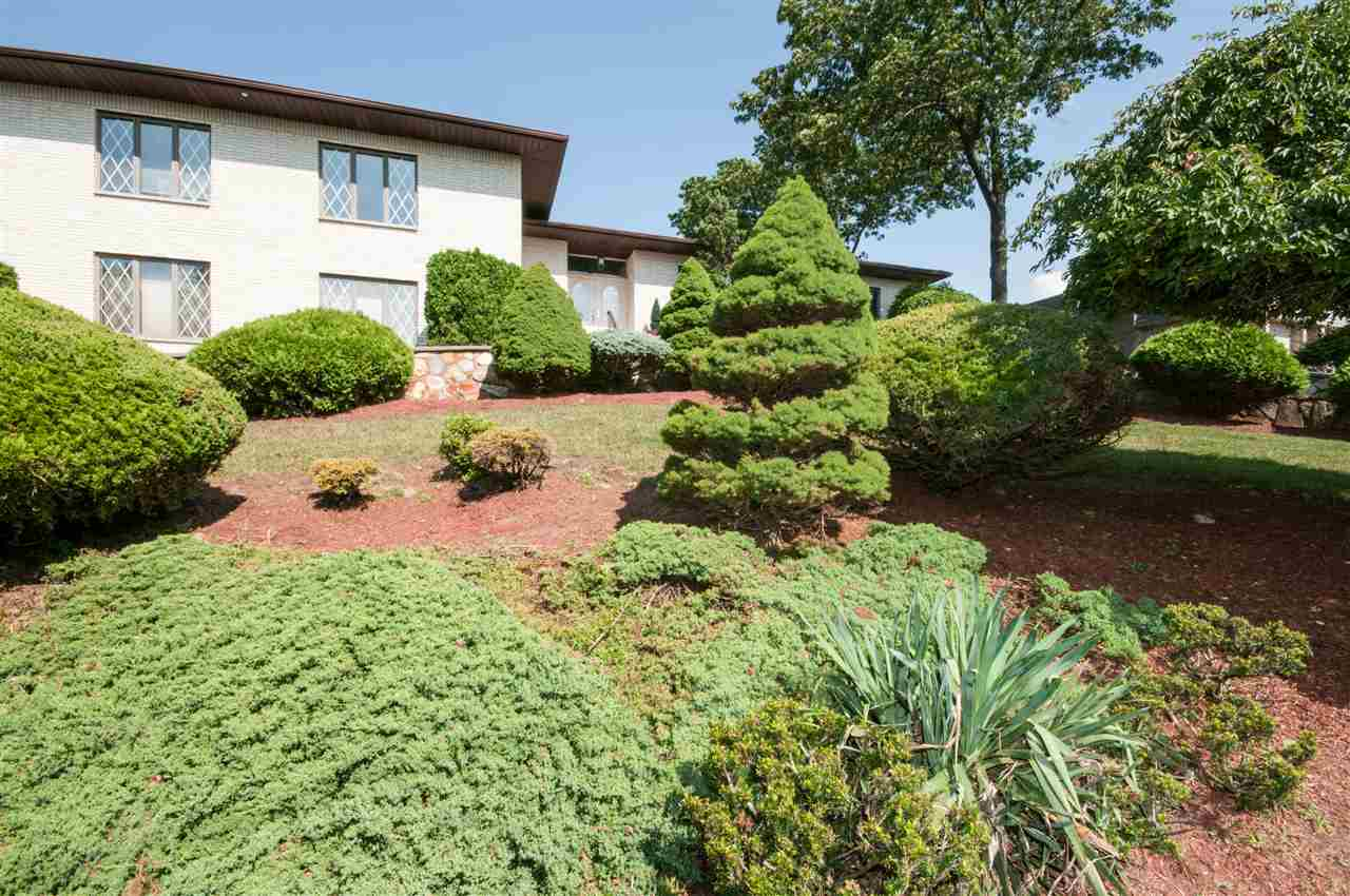 24 LOOKOUT POINT TRAIL, Totowa, NJ 07512