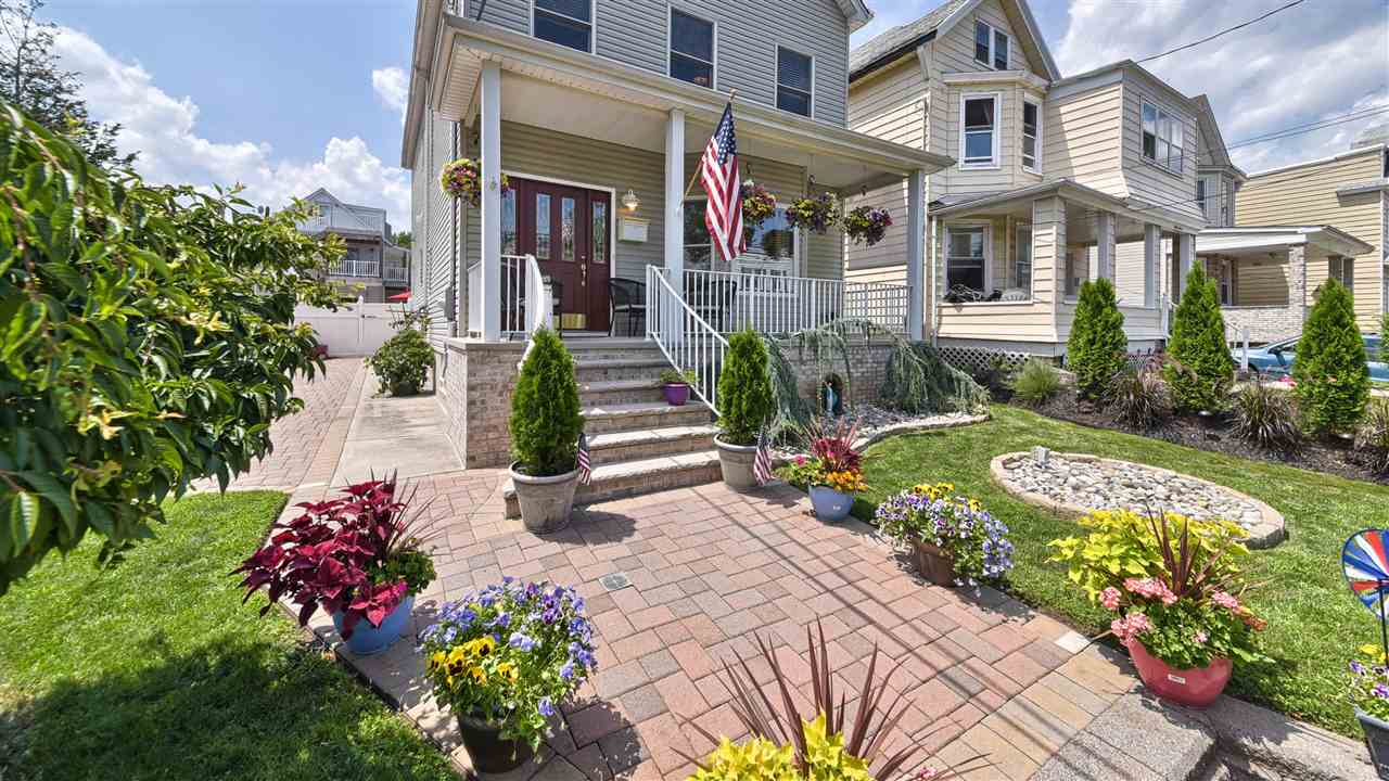 35 HUMPHREY AVE, Bayonne, NJ 07002