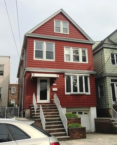 156 AVE B, Bayonne, NJ 07002