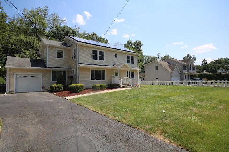 679 BURKE ST, Washington Township, NJ 07676