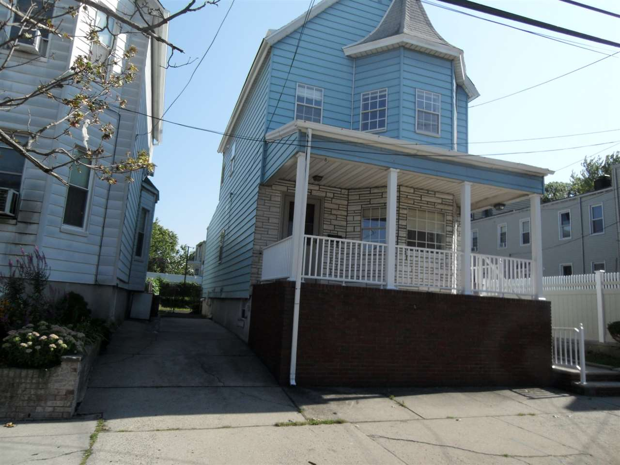 8 EAST 5TH ST, Bayonne, NJ 07002