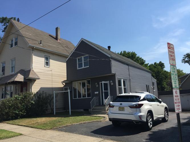 246 HOBOKEN RD, East Rutherford, NJ 07073