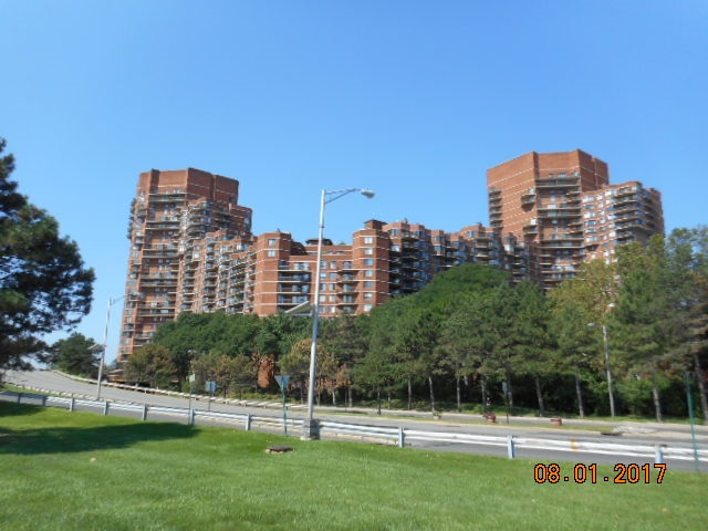 119 HARMON COVE TOWER 119, Secaucus, NJ 07094