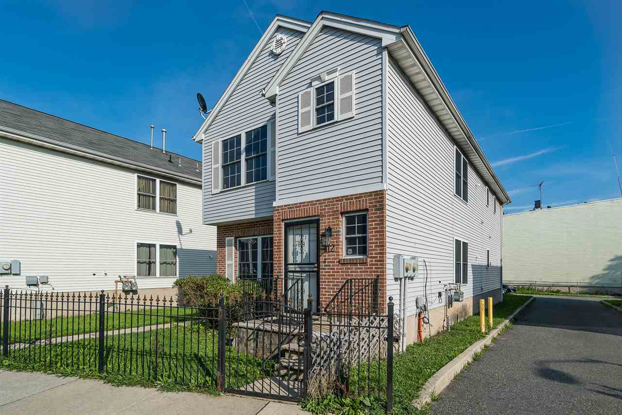 412 OCEAN AVE, JC, Greenville, NJ 07305