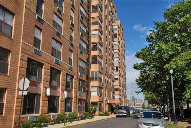 2 CONSTITUTION CT 806, Hoboken, NJ 07030