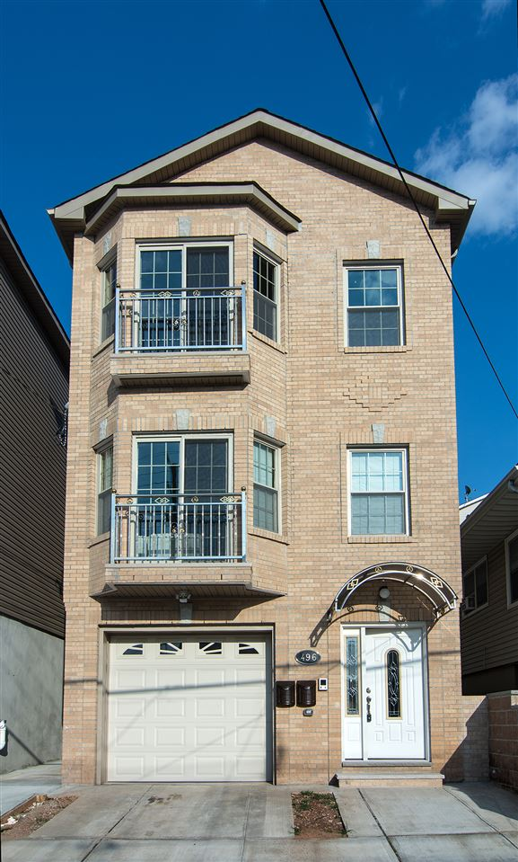 496 LIBERTY AVE 1, JC, Heights, NJ 07307