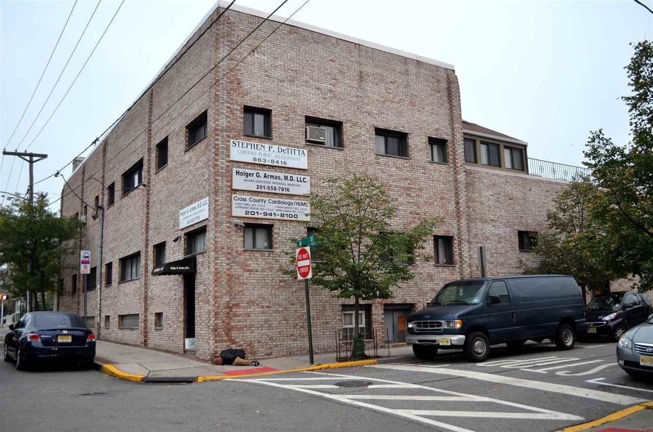 811 30TH ST, Union City, NJ 07087