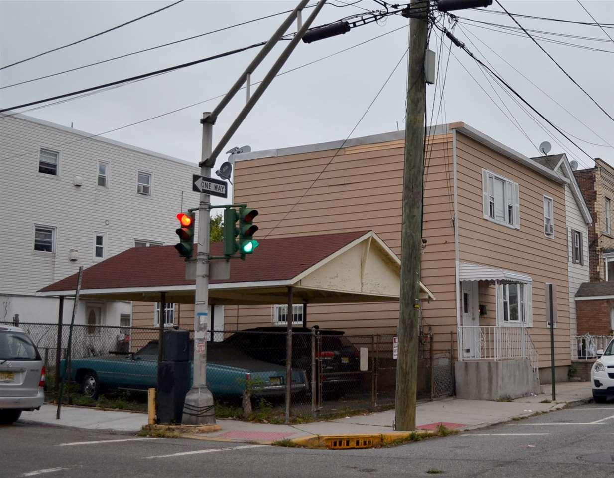 5901 WASHINGTON ST, West New York, NJ 07093