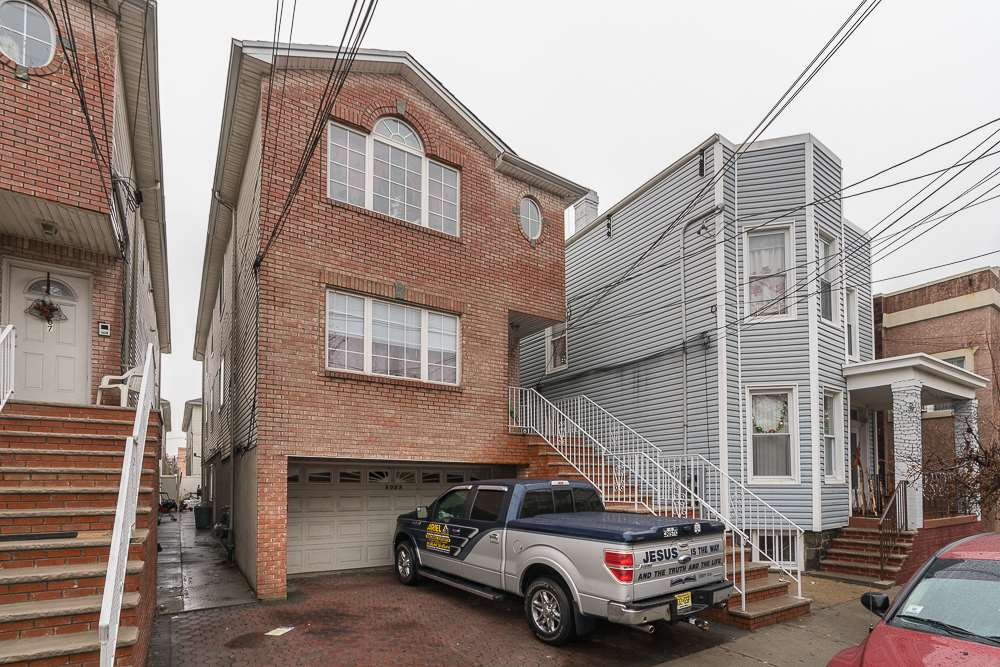 6009 JACKSON ST, West New York, NJ 07093
