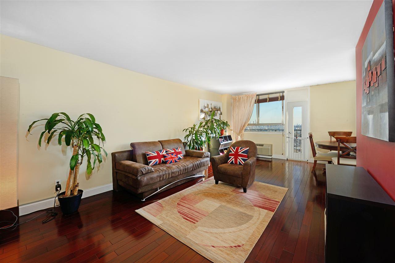 100 MANHATTAN AVE 2210, Union City, NJ 07087
