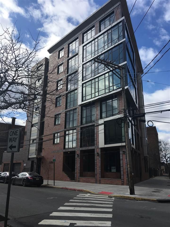 84 WILLOW AVE, Hoboken, NJ 07030