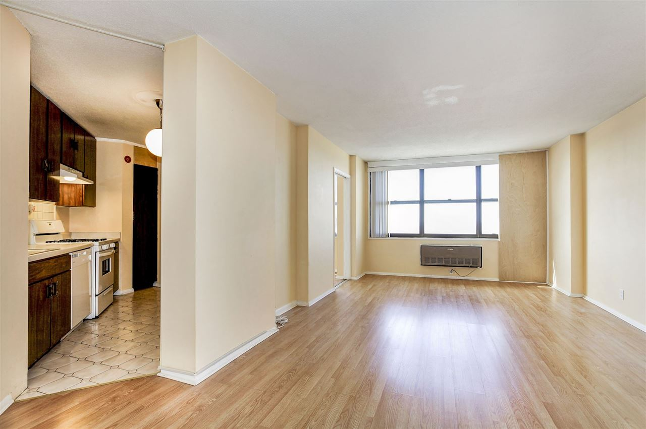 7000 BLVD EAST, 34H - Guttenberg, New Jersey