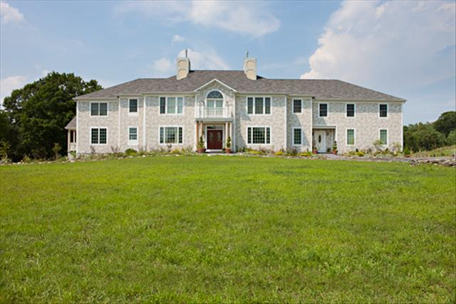 23 APPLE GATE LN, Pleasant Valley, NY 12538