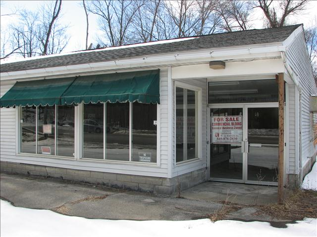 Retail for Sale at 1373 RT .9G 1373 RT .9G Hyde Park, New York 12538 United States