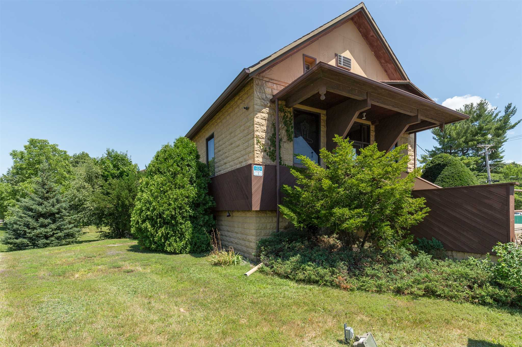 Additional photo for property listing at 1 DORSEY Lane 1 DORSEY Lane Hyde Park, New York 12603 United States