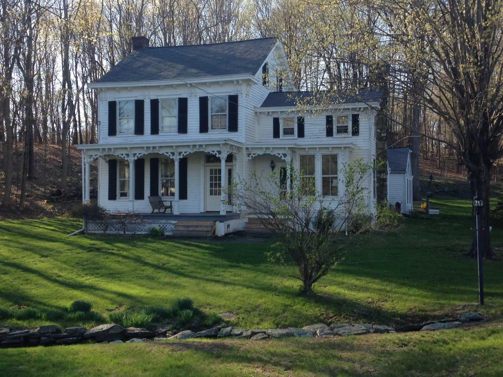 45 MARSHALL RD, Pleasant Valley, NY 12569